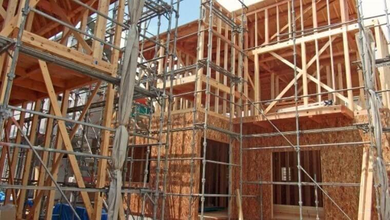 建設現場で常時50人未満が働く場合