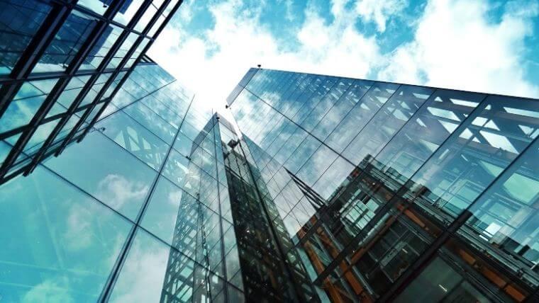 建設業の総括安全衛生管理者は大規模現場