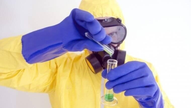 衛生管理者で出題される厚生大臣の製造許可がいる化学物質