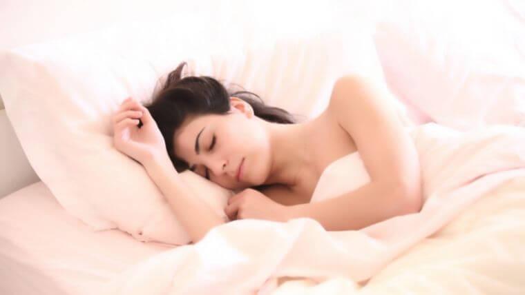 試験前日は睡眠時間を7時間以上確保